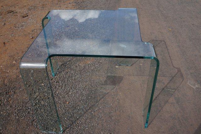 Mesa de centro em vidro Curvo